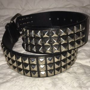 Black leather silver stud unisex biker belt S